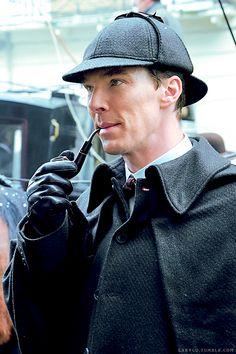 Benedict as Sherlock Benedict Sherlock, Sherlock John, Bbc Sherlock Holmes, Sherlock Series, Sherlock Holmes Benedict Cumberbatch, Sherlock Comic, Sherlock Pipe, Sherlock Season, Watson Sherlock
