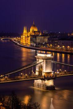 Danube - Chain Bridge, Budapest, Hungary