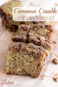 Cinnamon Crumble Banana Bread-A delicious and moist banana bread that is topped off with a cinnamon crumble for the ultimate treat. This recipe is a must try! THE BEST! Just Desserts, Delicious Desserts, Dessert Recipes, Yummy Food, Bon Dessert, Dessert Bread, Cinnamon Crumble, Cinnamon Banana Bread, Cinnamon Desserts