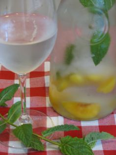 Cooling Peach Mint Water - Lose Weight By Eating | with Audrey Johns