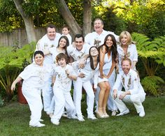 The series finale of Modern Family aired tonight, capping off 11 seasons of one of the most successful sitcoms in history. Modern Family Actors, Modern Family Funny, Modern Family Quotes, Family Portraits, Family Photos, Morden Family, Golden Girls, Favorite Tv Shows, Breaking Bad