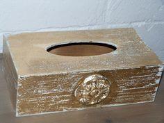 Tissue box (gold:))
