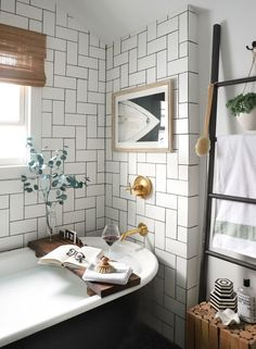Home Interior And Gifts Tray Treat - The Spa-Like Bathroom Decor Item That Everyone Is Pinning Right Now - Photos.Home Interior And Gifts Tray Treat - The Spa-Like Bathroom Decor Item That Everyone Is Pinning Right Now - Photos Bad Inspiration, Bathroom Inspiration, Bathroom Interior, Bathroom Trends, Bathroom Ideas, Industrial Bathroom, Modern Industrial, Bathroom Designs, Bathroom Furniture