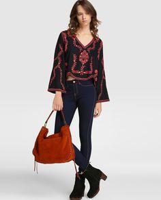 Top de mujer Southern Cotton con bordado fantasía y escote de pico · Southern Cotton · Moda · El Corte Inglés