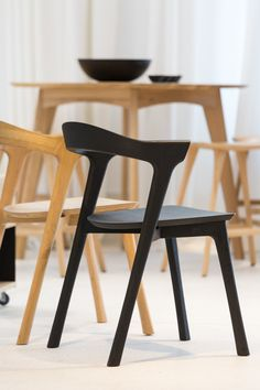Ethnicraft Bok Chair in GIR Store Furniture Inspiration, Interior Inspiration, Dining Chairs, Dining Room, Chair Bench, Boconcept, Take A Seat, Wishbone Chair, New Room