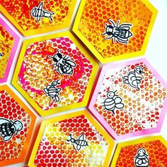 Spring art projects for preschoolers bubble wrap ideas Bubble Wrap Art, Bubble Wrap Crafts, Bee Activities, Spring Art Projects, Collaborative Art Projects, 2nd Grade Art, Ecole Art, Bee Art, Insect Art