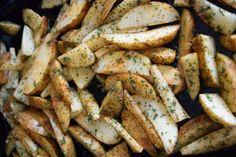 Crispy Oven Roasted Potato Wedges