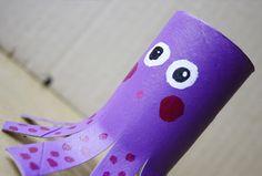 Reciclar un tubo de cartón es mucho más divertido de lo que parece. ¿Has visto este pulpo? #manualidades #kids