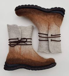 Suede Leather, Leather Shoes, Wooly Jumper, Felt Boots, Shoemaking, Felted Slippers, Slipper Boots, How To Make Shoes, Wet Felting