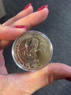 Pri príležitosti jedinečného jubilea, 100. výročia vzniku Česko-Slovenska, ponúka Národná Pokladnica v spolupráci s neziskovou organizáciou Post Bellum nádhernú pamätnú medailu pre každého ZADARMO.