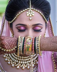 Explore shaadidukaan india's collection of Accessorizing Your Wedding Dress From These Amazing Wedding Chooda Set images on Designspiration. Indian Bridal Photos, South Indian Bridal Jewellery, Indian Bridal Makeup, Indian Bridal Fashion, Indian Bridal Outfits, Bridal Beauty, Indian Jewelry, Indian Bridal Hairstyles, Wedding Makeup