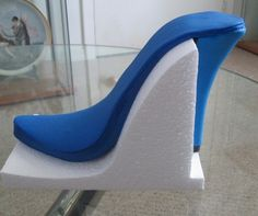 Jimmy Choo feather shoe tutorial - beautiful! Translate to clay!