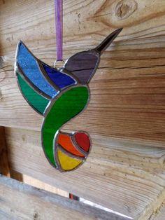 Stained Glass Hummingbird - Handmade - Suncatcher - Rainbow colors - Nature - Birds - Fun