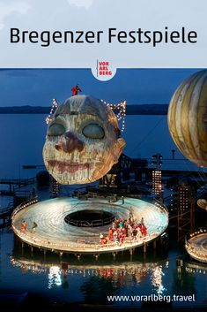 Große Oper mit Seeblick. Jedes Jahr laden die Bregenzer Festspiele im Sommer an den Bodensee. Auf einer riesigen Bühne inmitten des Sees steht alle zwei Jahre eine neue Opernproduktion auf dem Plan. Der Plan, The Great Outdoors, Summer Days, Opera, Culture, Musik