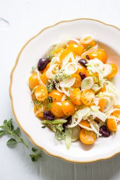 marinated fennel + tomato salad   theclevercarrot.com
