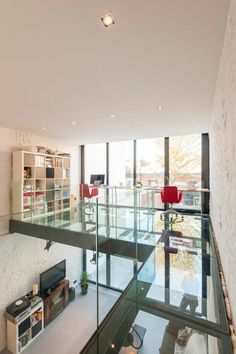 the most beautiful workplace with glass floor, glass slab for the modern floor Source by sergiodeknuydt