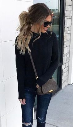 Casual look | Black sweater and distressed pants