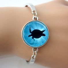 Glass Sea Turtle Bracelet