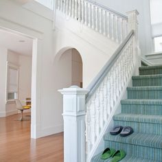 White Painted Staircase Railing Design, Pictures, Remodel, Decor and Ideas - page 26 White Banister, White Staircase, Carpet Staircase, Staircase Railings, Modern Staircase, Banisters, Stairways, Hall Carpet, Stair Spindles