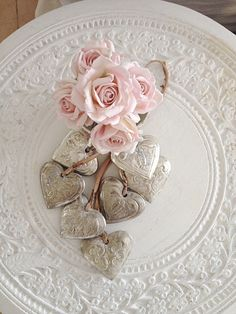 Hearts & pink roses