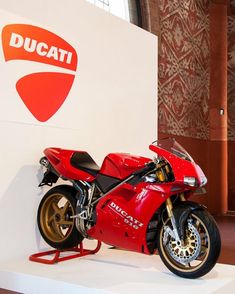 Ducati Corse Shared by Motorcycle Fairings - Motocc Ducati 916, Moto Ducati, Ducati Motorcycles, Cars And Motorcycles, Monster Bike, Ducati Monster, Custom Cafe Racer, Motorcycle Engine, Street Racing