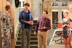 Miley Cyrus comes back to Two and a Half Men