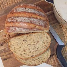 Hallo Ihr Lieben,   hach, Brot backen ist so herrlich. Ihr wißt was drin ist, Ihr braucht nur wenige Zutaten, Ihr könnt es genau nach Eurem ...