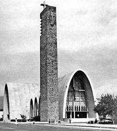 Iglesia de la Purísima, Monterrey, México, 1947.  Arq. Enrique de la Mora. Fotos: W. Reuter