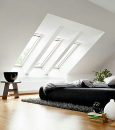18 Attic bedroom design ideas - If you have unused attic, you can create a bedroom that can be your favorite place in the house. Thus placed bedrooms can be a challenge, but also savings of the space. Loft Room, Bedroom Loft, Home Bedroom, Attic Loft, Bedroom Apartment, Apartment Therapy, Attic Bedroom Closets, Skylight Bedroom, Attic Library