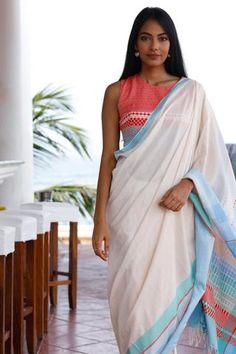 Women S Fashion Online Sites Trendy Sarees, Stylish Sarees, Bollywood Saree, Bollywood Fashion, Saree Fashion, Ethnic Fashion, Saree Jewellery, Leotard Fashion, White Saree