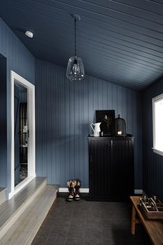 A black cottage in Iceland decorated in blue-grey tones French Interior, Modern Interior Design, French Apartment, Nautical Bedroom, Hallway Designs, Cottage Interiors, Jonathan Adler, Architecture Design, House Design