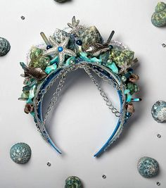 DIY Mermaid Crown by Jo-Ann Fabric and Craft Stores accessories diademas Mermaid Crowns - DIY Mermaid Costume Mermaid Crafts, Mermaid Diy, Dark Mermaid, Mermaid Crowns Diy, Project Mermaid, Diy Headband, Crown Headband, Fascinator, Steampunk Accessoires