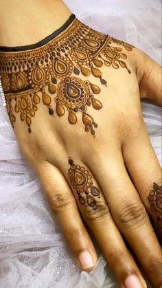 Latest Finger Mehndi Designs, Henna Designs Feet, Henna Tattoo Designs Simple, Basic Mehndi Designs, Mehndi Designs For Girls, Wedding Mehndi Designs, Mehndi Designs For Fingers, Dulhan Mehndi Designs, Latest Mehndi Designs