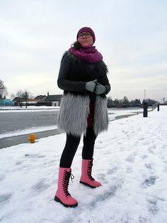 Kamizelka ONLY/ vest ONLY Dr. Martens, Fur Coat, Winter Jackets, Vest, Fashion, Winter Coats, Moda, Winter Vest Outfits, Fashion Styles