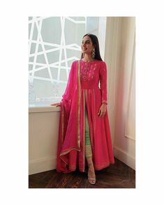 🎀Rayon fabric best quality With pant Rayon fabric full dupptta🎀 🎀Full heavy gotta work all over pis🥳 🎀Front cut Kurti full flair🥳 shipping . Pakistani Fashion Casual, Pakistani Dress Design, Pakistani Outfits, Indian Outfits, Indian Fashion, Punjabi Fashion, Ethnic Outfits, Pakistani Bridal, Indian Bridal