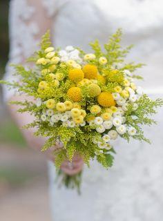イエローピンボール×グリーン 野花ブーケ flowers and bouquets