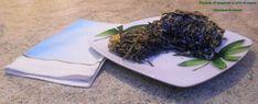 Timballo di spaghetti al nero di seppia, diversamente salato, govanna in cucina