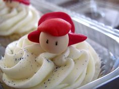 Vegan Ponyo cupcakes... Maddy would go crazy!!!
