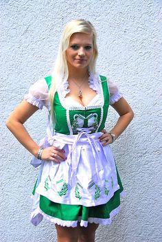 Bembel Dirndl - Hessen Dirndl by Bembeltown Design and more | follow us on Facebook - www.Facebook.com/Bembeltown  #Facebook #Bembel #Bembeltown #Trachtnacht #Oktoberfest #Frankfurt #Dippemess #Festzelt #Apfelweinfestival #Sachsenhausen #Apfelwein #Äppler #Tracht #Dirndl