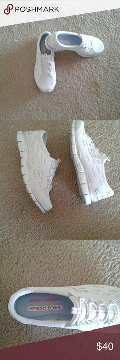 Skeechers ladies sneakers Brand new never worn memory foam air cooled Shoes Sneakers