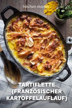 # Food and Drink lunch healthy eating Tartiflette Burger Recipes, Lunch Recipes, Cooking Recipes, Healthy Recipes, Tartiflette Recipe, Feel Good Food, Kitchen Stories, Comfort Food, Greek Recipes