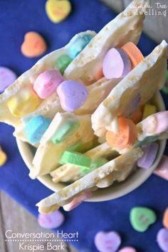 Conversation Heart Krispie Bark Yummy Treats, Sweet Treats, Yummy Food, Best Dessert Recipes, Sweet Desserts, Melting White Chocolate, Converse With Heart, Valentines Day Treats, Breakfast Snacks
