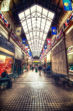 Nashville Arcade - Nashville's first shopping mall, try the fresh nuts at the Peanut Man, and check out the art deco Post Office!