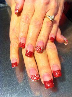 Festive Christmas glitter nails