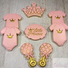 The post Princess Theme Baby Shower Set! 2019 appeared first on Baby Shower Diy. Royal Baby Shower Theme, Royal Baby Showers, Baby Shower Niño, Baby Girl Shower Themes, Baby Shower Princess, Baby Shower Favors, Baby Shower Decorations, Baby Shower Gifts, Shower Set