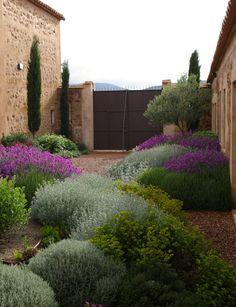 Jardín patio Toledo. Abril 2011 | Jardín mediterráneo. Medit… | Flickr