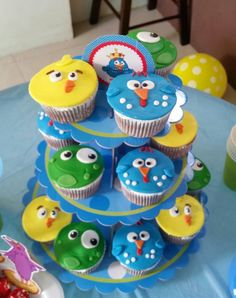 Cupcakes gallina pintadita Mini Cakes, Cupcake Cakes, 2nd Birthday Parties, Happy Birthday, Fondant, Event Agency, Ideas Para Fiestas, Birthdays, Baby Shower