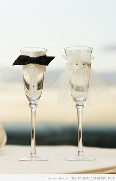 Bride & Groom Champagne Glasses: This is a MUST at my Wedding Bride And Groom Glasses, Wedding Glasses, Bride Groom, Champagne Glasses, Wedding Flutes, Bridal Glasses, Wedding Sparklers, Wedding Wishes, Our Wedding