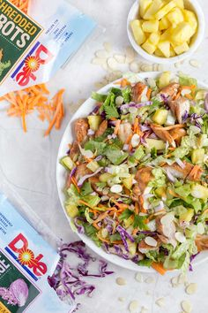 Hawaiian salad with pineapple chicken - this healthy, tropical salad has ginger-soy marinated Hawaiian Salad, Pineapple Chicken Recipes, Susan Recipe, Fresh Fruits And Vegetables, Marinated Chicken, How To Make Salad, Healthy Salad Recipes, Side Dishes, Red Cabbage