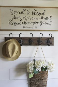 Transforming a traditional builder grade foyer to a modern farmhouse foyer. Get Foyer Decor Ideas builder Farmhouse Foyer grade modern Traditional Transforming Rustic Farmhouse Entryway, Country Farmhouse Decor, Farmhouse Design, Farmhouse Style, Modern Farmhouse, Farmhouse Ideas, Farmhouse Wall Hooks, Country Chic, Decorating Your Home